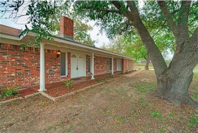 5214 Old Mcmahan Rd, Lockhart, TX 78644