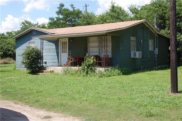 217 Cherry Dr, Lexington, TX 78947
