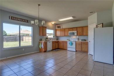 104 Flinn St, Hutto, TX 78634