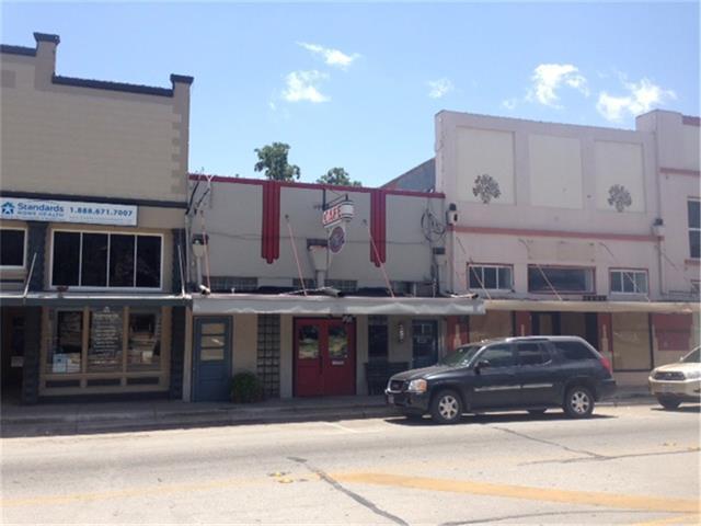 235 W Travis St, La Grange, TX 78945