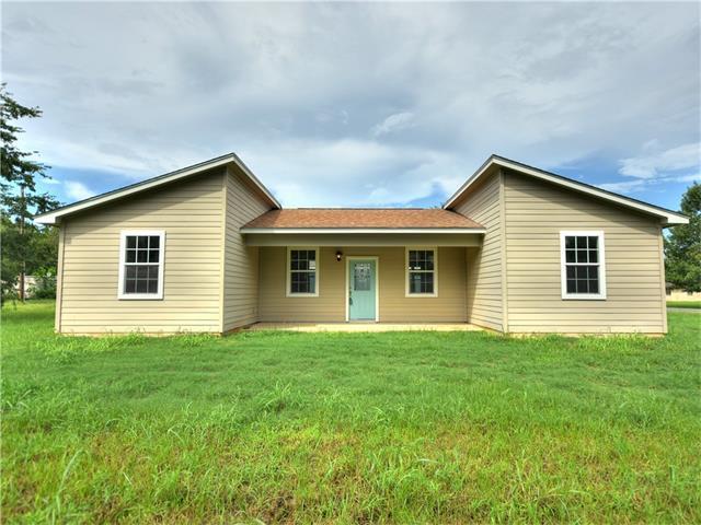 406 Lynch St, Smithville, TX 78957