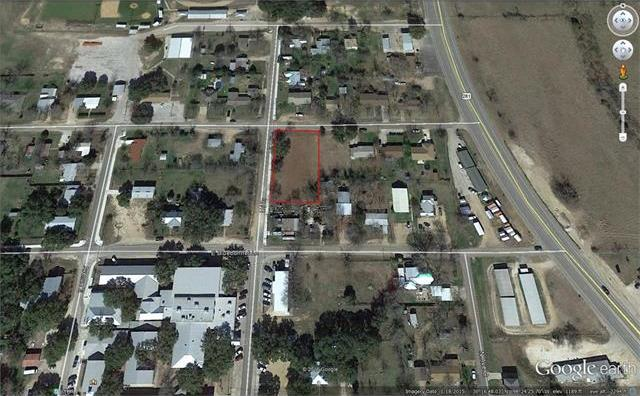 500 E Ash Dr, Johnson City, TX 78636