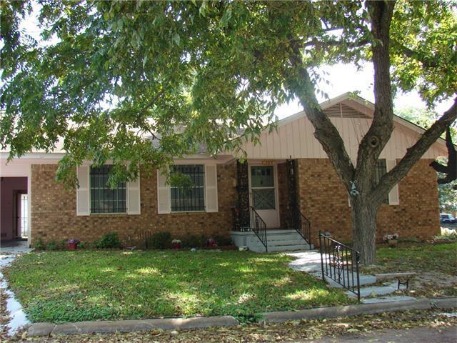163 W Belton Ave, Rockdale, TX 76567