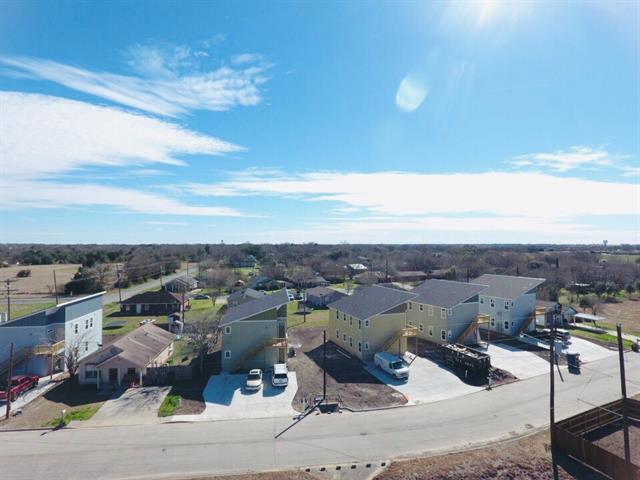 1304 Hausman Dr, Lockhart, TX 78644