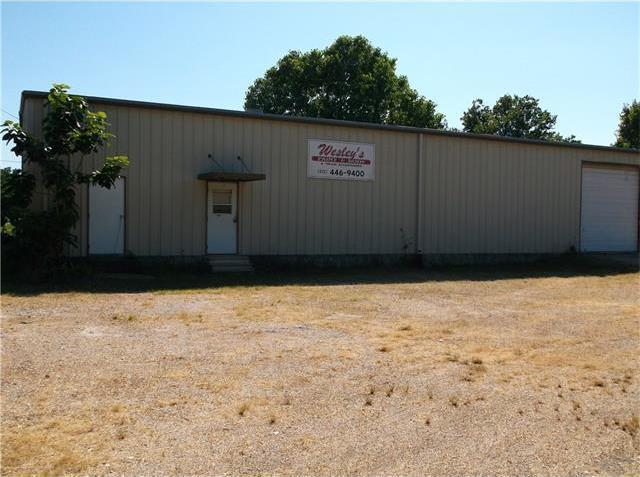 402 S Wilcox St, Rockdale, TX 76567