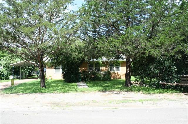 103 N Avenue J, Johnson City, TX 78636