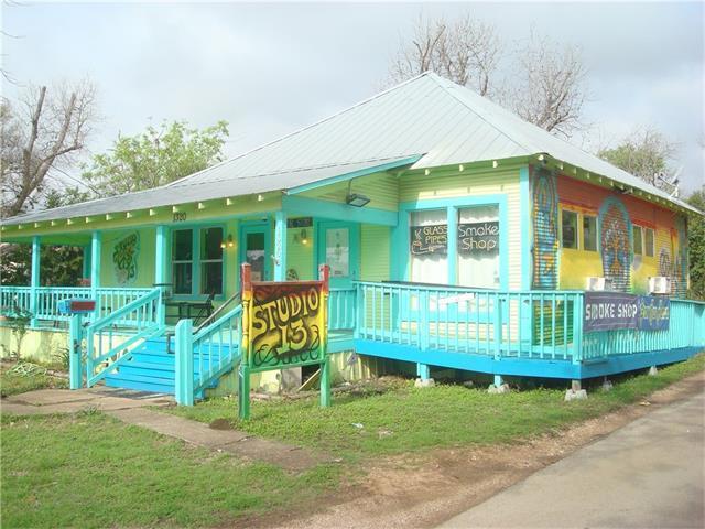 1320 W Hopkins St, San Marcos, TX 78666