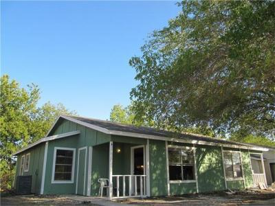 Photo of 520 Lenora Dr, Taylor, TX 76574