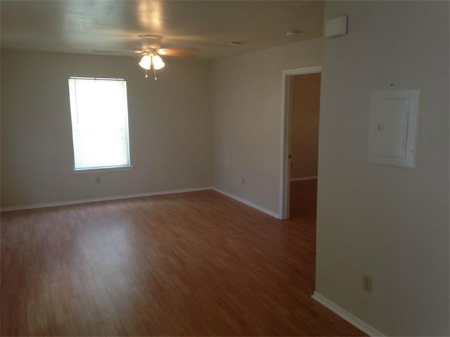 613 W San Antonio St #211, San Marcos, TX 78666