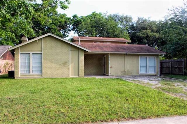 908 Monte Vista Dr, Lockhart, TX 78644