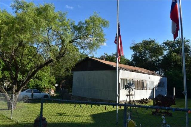 11512 Main St, Jonestown, TX 78645