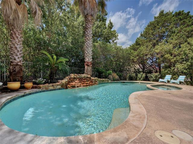 1 Dovedale Cv, The Hills, TX 78738