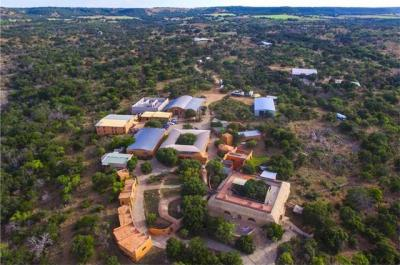 Photo of 300 Trois Ln, Fredericksburg, TX 78624