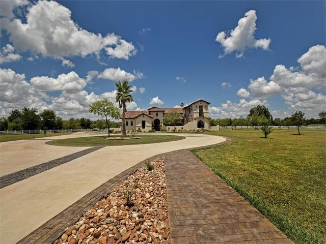 416 Colorado Dr, Cedar Creek, TX 78612