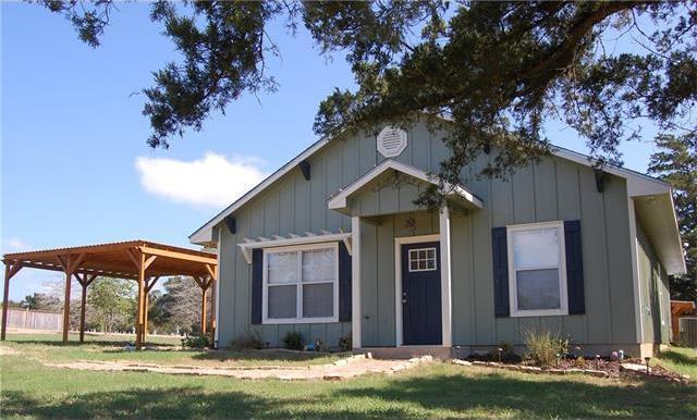 310 S Scott St, Fayetteville, TX 78940