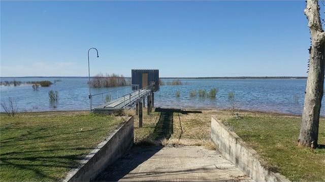 370 W Lakecrest, Bluffton, TX 78607