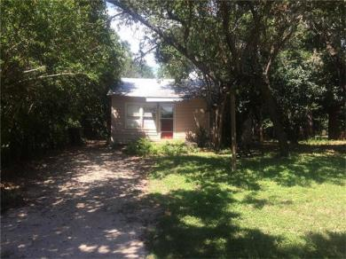 706 W 2nd St, Kyle, TX 78640