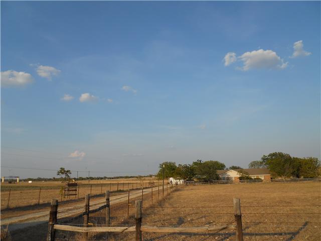 1251 County Road 118, Hutto, TX 78634