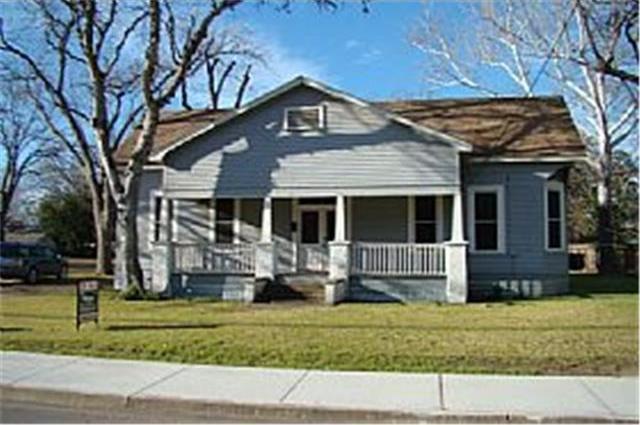 726 S Jefferson St, La Grange, TX 78945