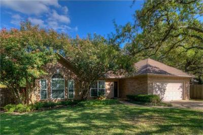 Photo of 6415 Old Harbor Ln, Austin, TX 78739