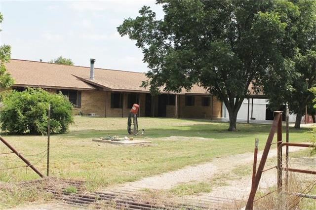 5244 N Us Highway 77, Rockdale, TX 76567