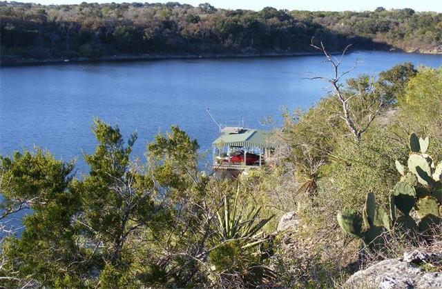 1320 Lake Shore Dr, Spicewood, TX 78669