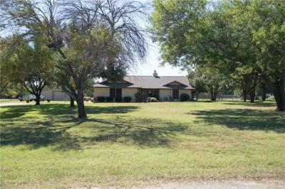 Photo of 17 Lake Dr, Round Rock, TX 78665