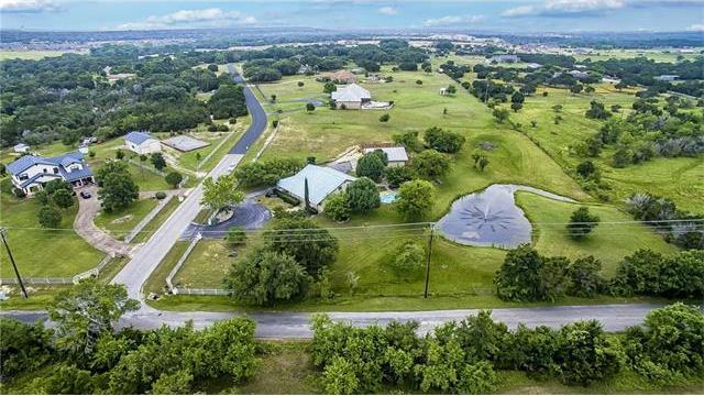 102 Valley View Dr, Leander, TX 78641
