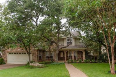 Photo of 5520 Van Winkle Ln, Austin, TX 78739