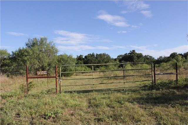 3200 Old Willow Rd, Fredericksburg, TX 78624