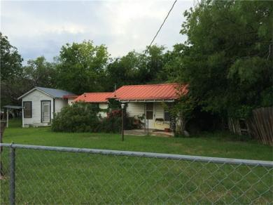 1112 Old Convent Rd, Lampasas, TX 76550
