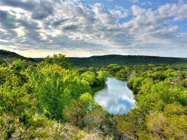 725 Comanche Waters Rd, Wimberley, TX 78676