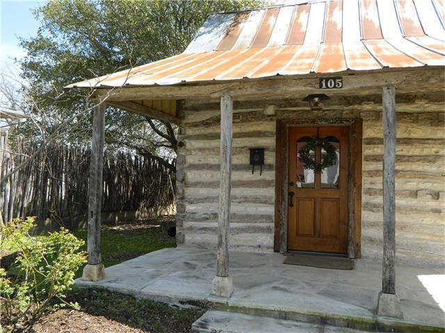 105 S Edison St, Fredericksburg, TX 78624