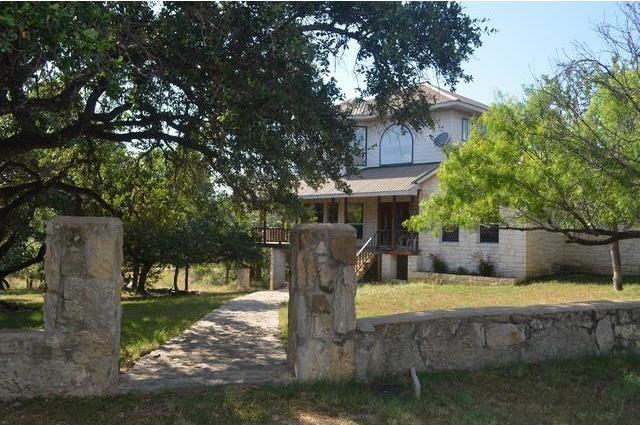 200 Loma Vista Dr, Burnet, TX 78611