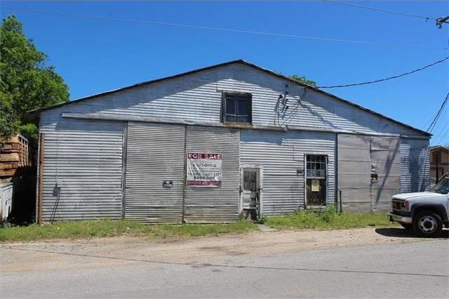 108 S Brazos St, Lockhart, TX 78644