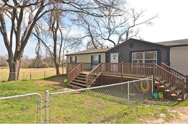 101 4th Ave, Smithville, TX 78957
