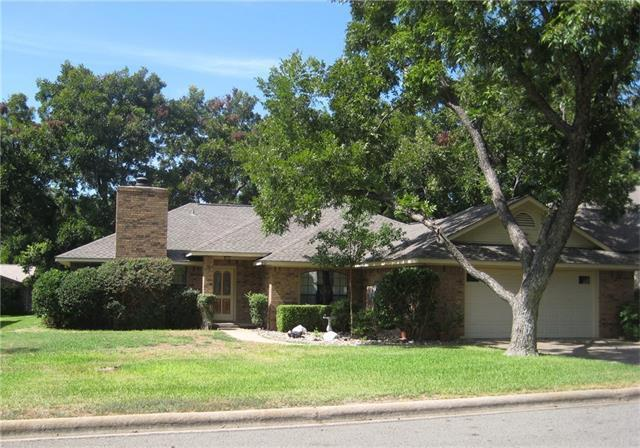 351 Stewart St, Meadowlakes, TX 78654