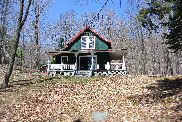 154 Hollywood Rd., Old Forge, NY 13420