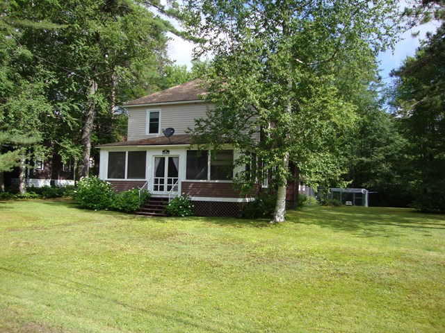 12 School Ln, Long Lake, NY 12847