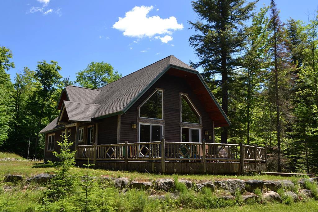207 Maple Lodge Road, Blue Mountain Lake, NY 12812