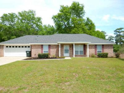 Photo of 22903 Mcleod Blvd, Foley, AL 36535