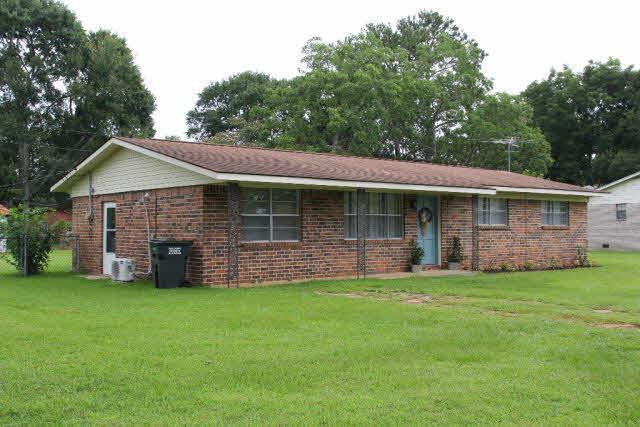 204 W Jackson Av, Summerdale, AL 36580