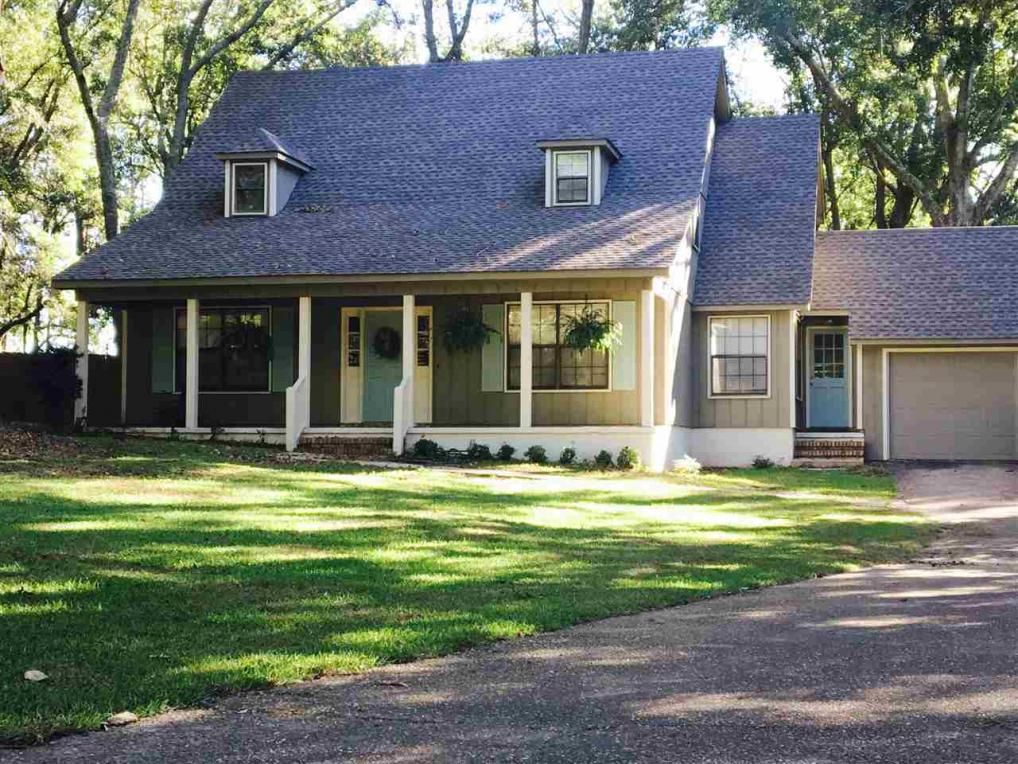 2004 Guarisco Street, Daphne, AL 36526