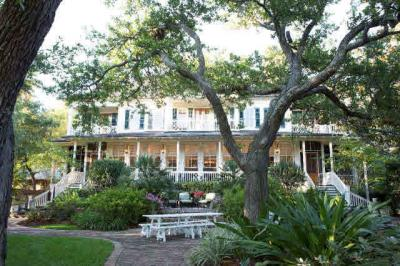 Photo of 17725 Scenic Highway 98, Fairhope, AL 36532