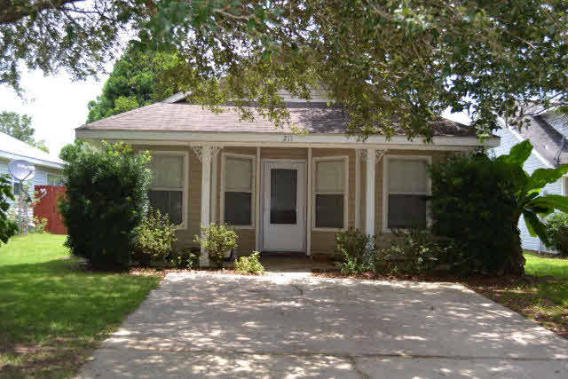 211 South Chase Court, Fairhope, AL 36532