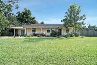 Photo of 619 W Magnolia Avenue, Foley, AL 36535