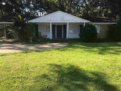 Photo of 18972 E Silverhill Avenue, Robertsdale, AL 36567