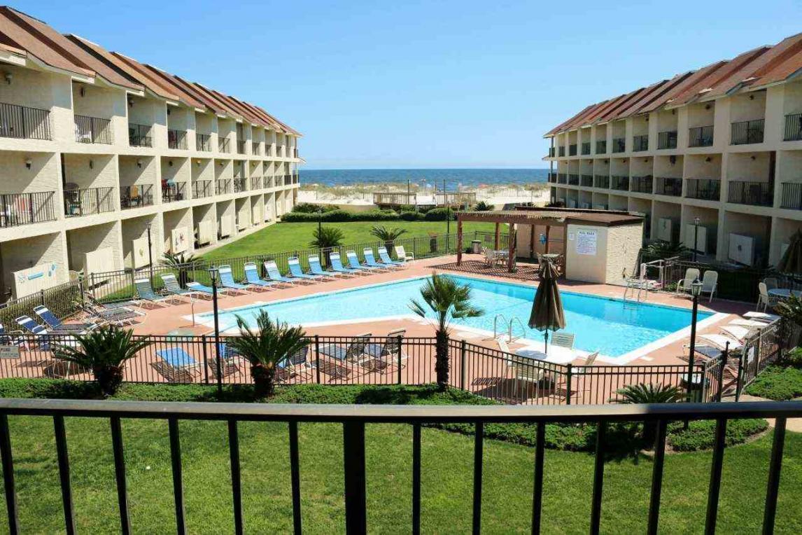 723 W Beach Blvd, Gulf Shores, AL 36542