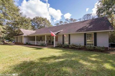 Photo of 34850 Magnolia Farms Rd, Robertsdale, AL 36567