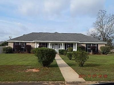 Photo of 27795 Autumn Woods Circle, Loxley, AL 36551
